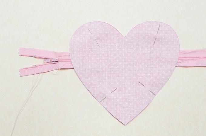 Heart-Pouch-11