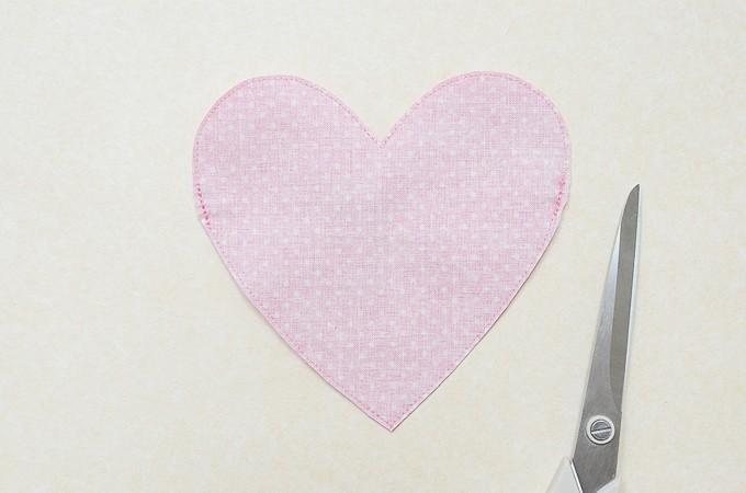 Heart-Pouch-15