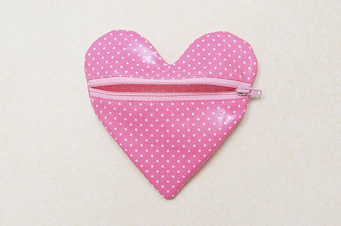 Heart-Pouch-17