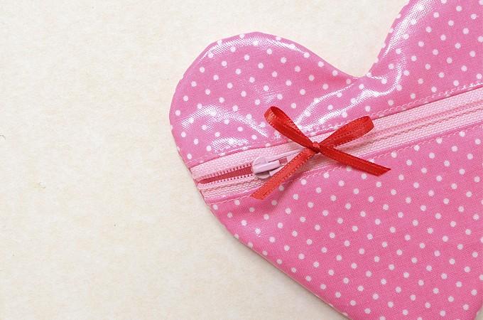Heart-Pouch-18