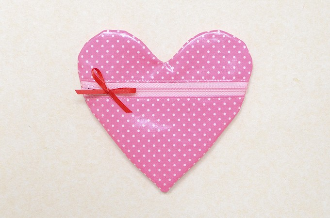 Heart-Pouch-19