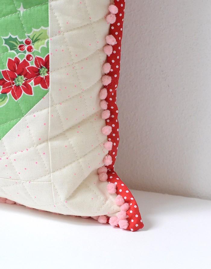 tis-the-season-pillow-2