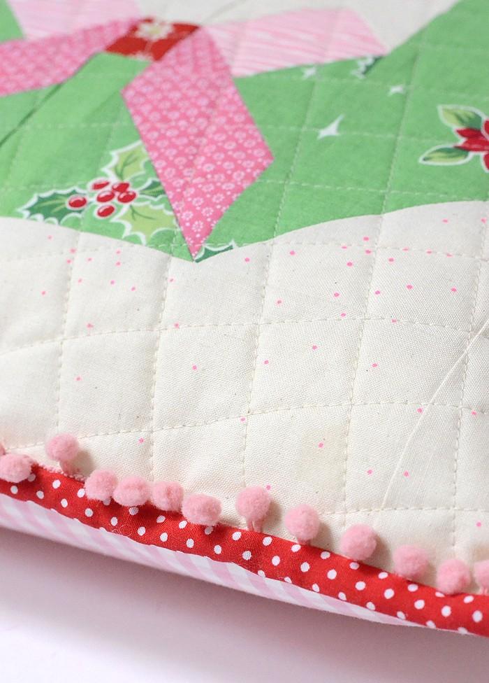 tis-the-season-pillow-3