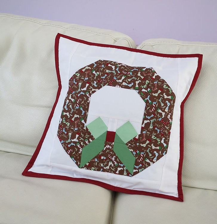 Christmas Wreath Pillow Pattern by Nadra Ridgeway of ellis & higgs