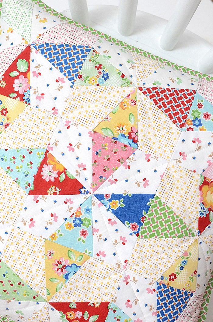 Sparkles Mini Quilt made with Arbor Blossom by Nadra Ridgeway for Riley Blake Designs