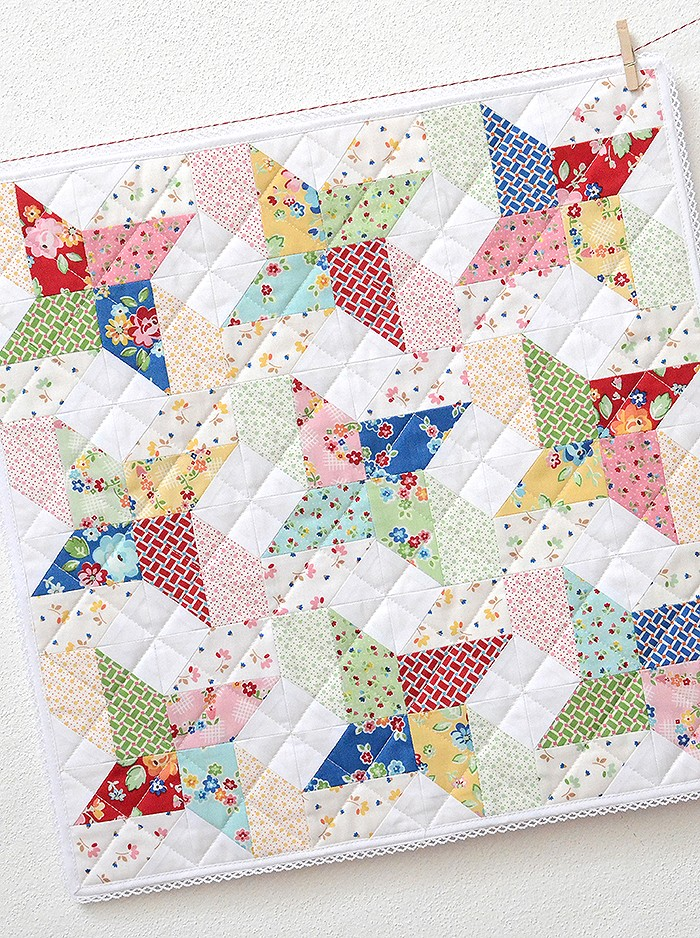 New Quilt Patterns: Sweet Trellis Mini Pattern by Nadra Ridgeway of ellis & higgs