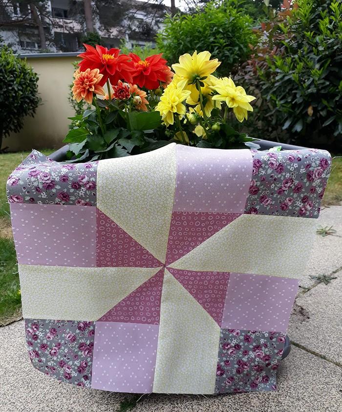 new quilt pattern mon beau jardin ellis higgs. Black Bedroom Furniture Sets. Home Design Ideas