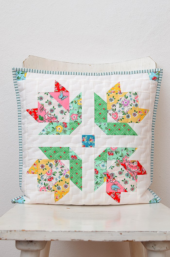 The Splendid Sampler 2 Tulip In Bloom pillow