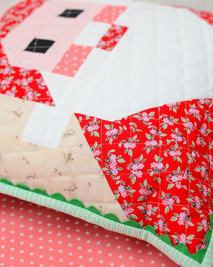 Santa Claus Quilt Block Pillow Pattern - Christmas Quilt Pattern
