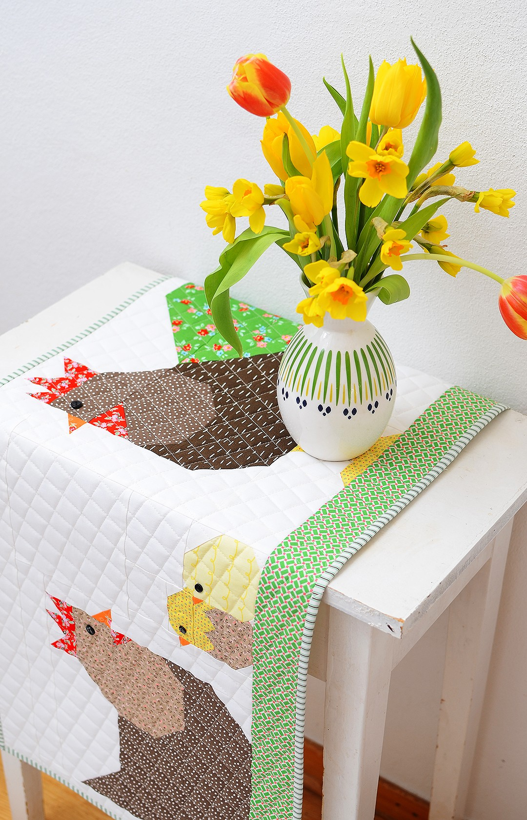 Chicken Family Easter Quilt Table Runner Tutorial