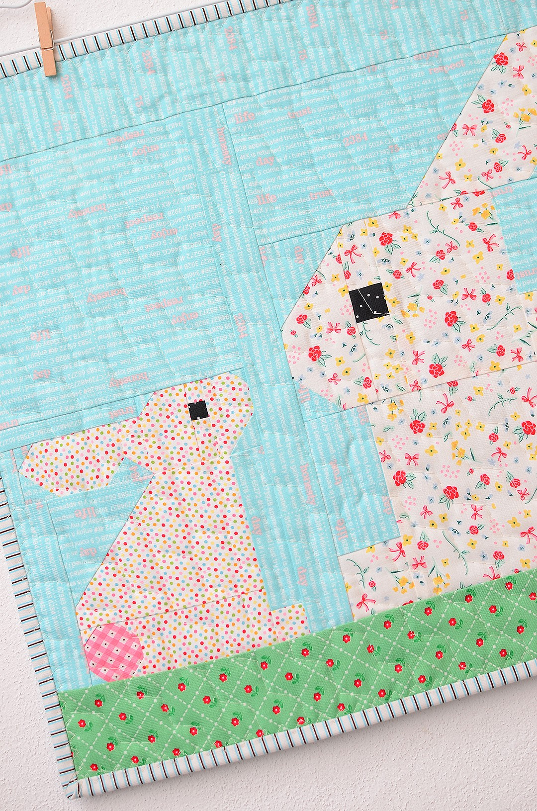 Two Little Bunnies Mini Quilt Tutorial - Easter Quilt Pattern 3