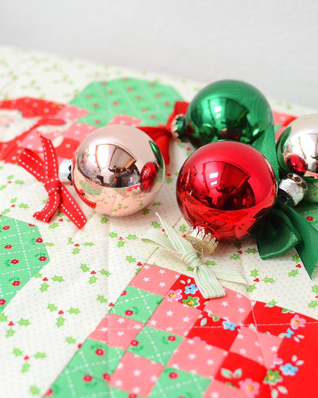 The Checkered Heart table runner - a free Christmas quil pattern