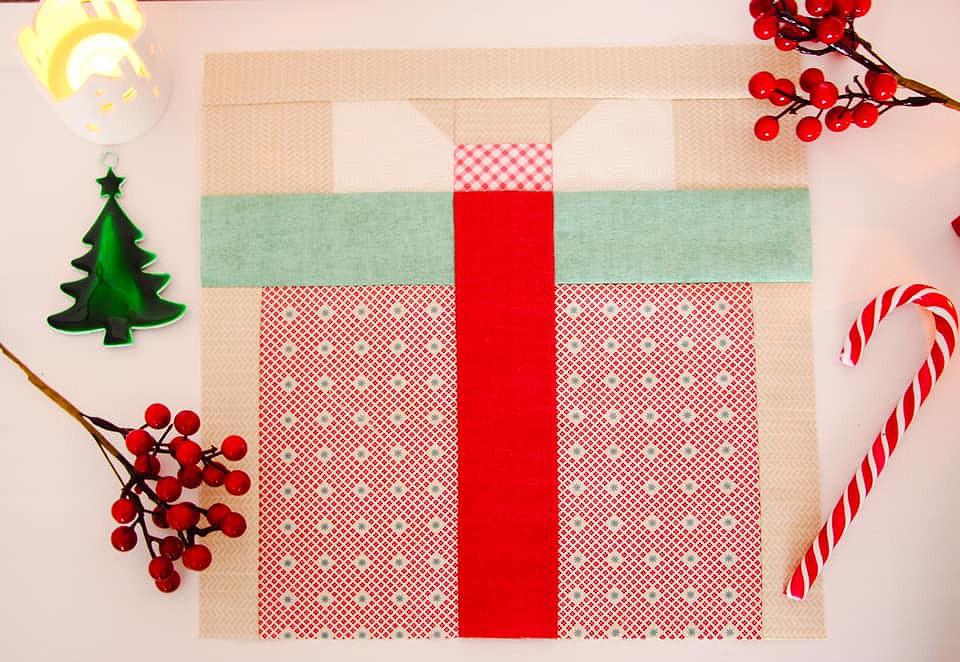 Christmas Present quilt block
