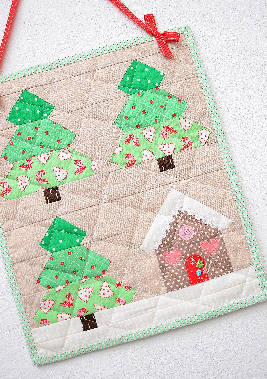 Christmas Tree mini quilt - a free tutorial