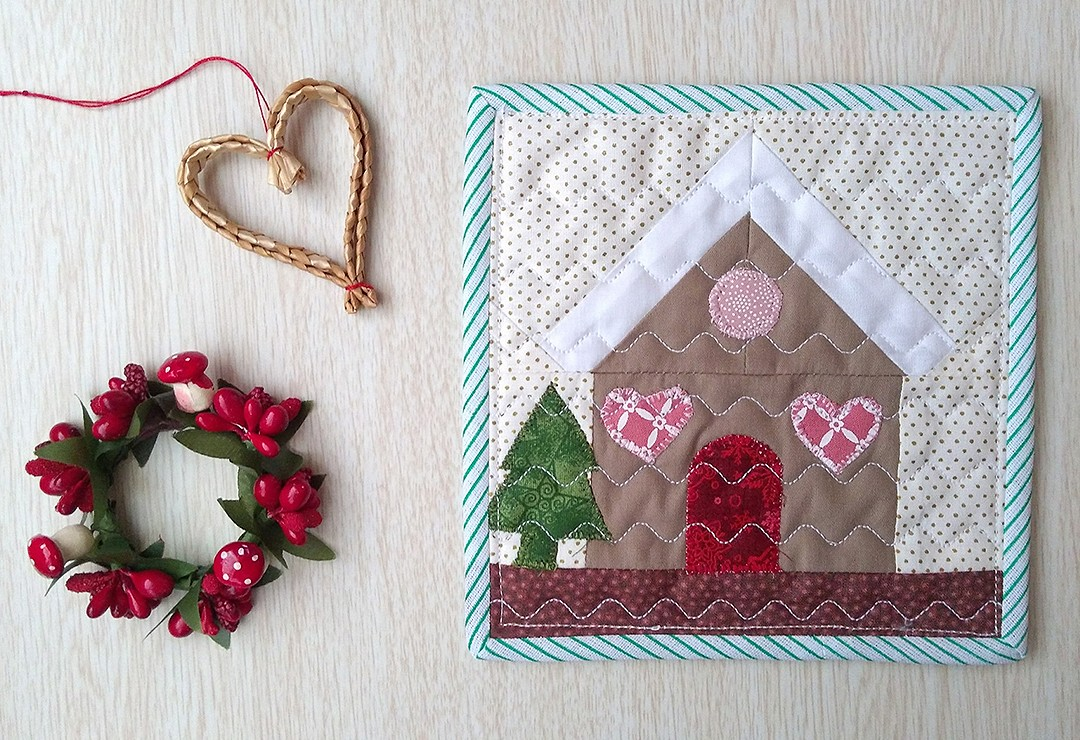 Gingerbread House mini quilt