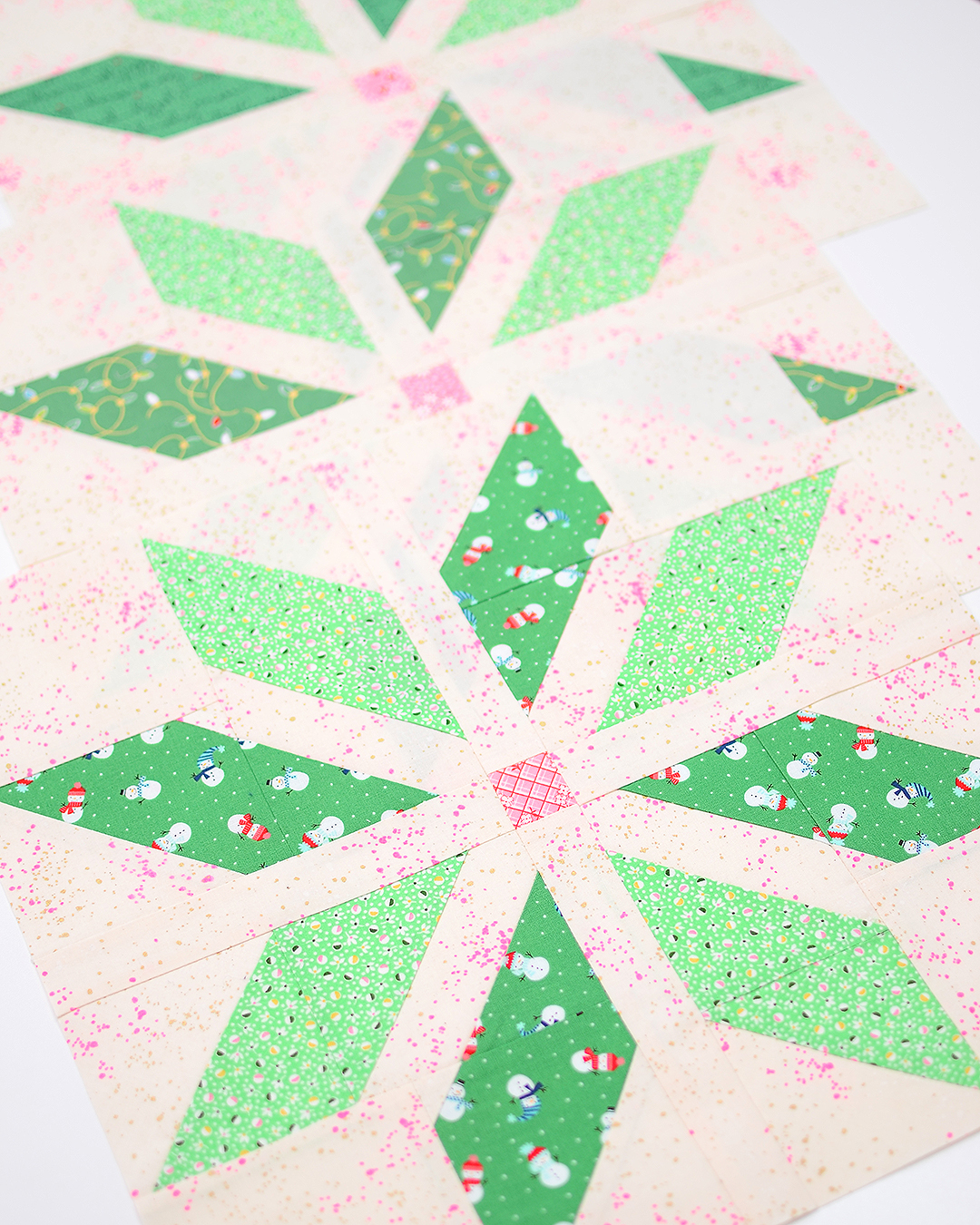 Dark green star quilt blocks