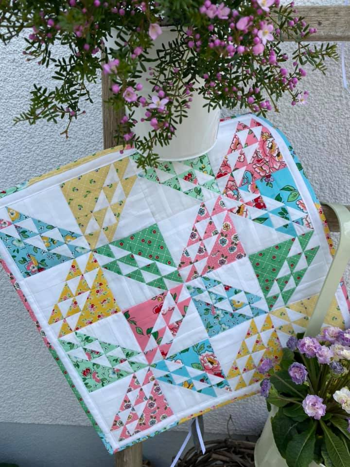 Spring Meadow - Spring Mini Quilt Pattern